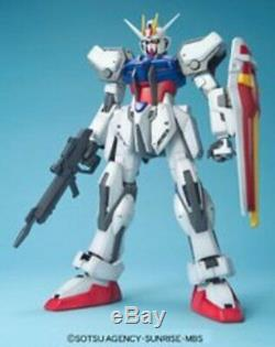 Bandai Hobby 1/60 GAT-X105 Strike Gundam Bandai Seed Action Figure BAN114212