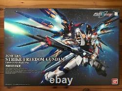 Bandai Pg 1/60 Strike Freedom Gundam Zgmf-x20a Model Kit
